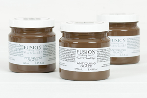Fusion Mineral Paint Antiquing Glaze